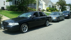 dyevolvos 2005 Ford Crown Victoria