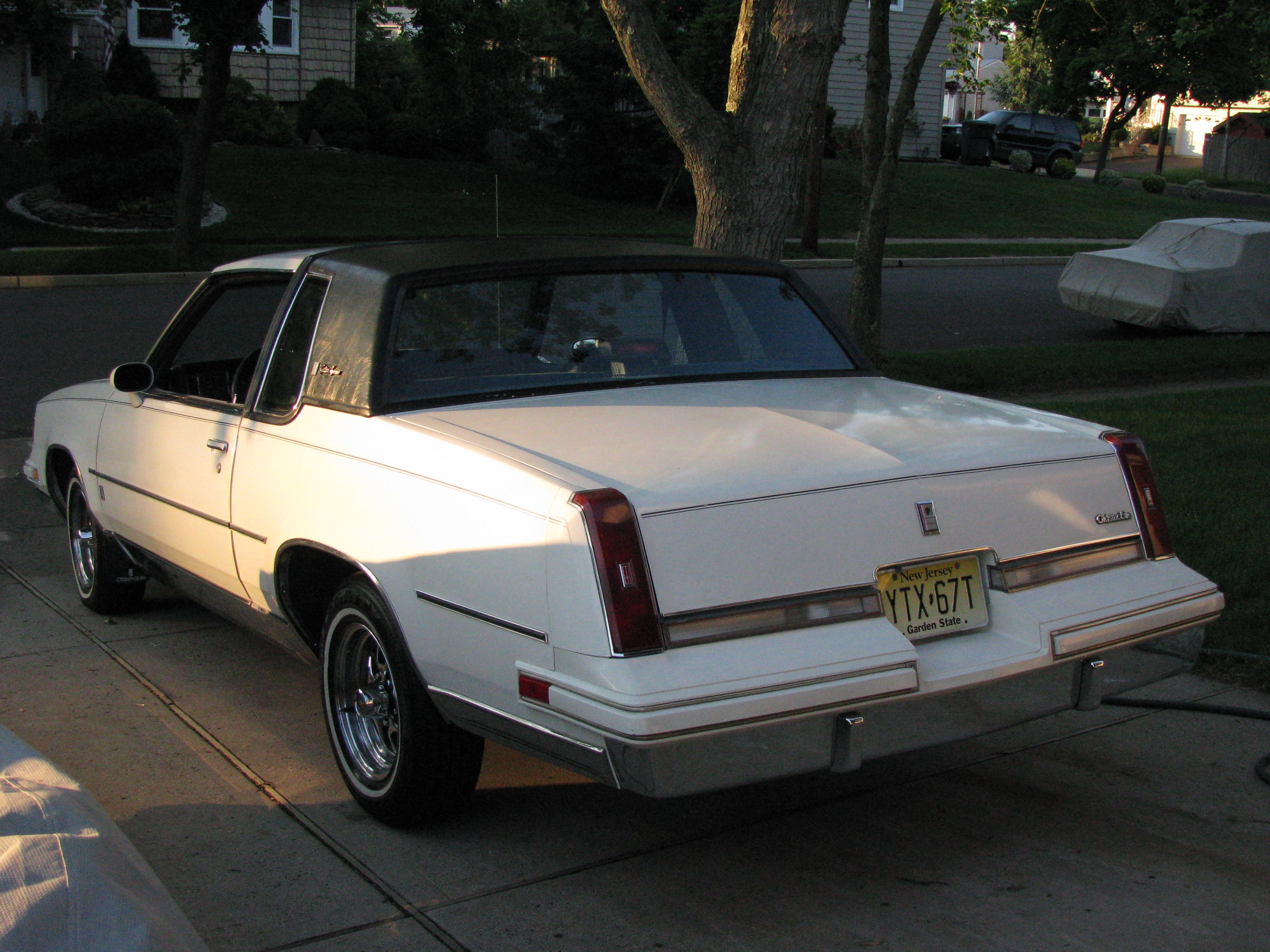 Another vinaay 1987 Oldsmobile Cutlass Supreme post... - 13001761
