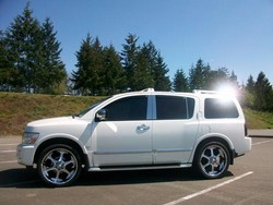geonkhakis 2005 Infiniti QX