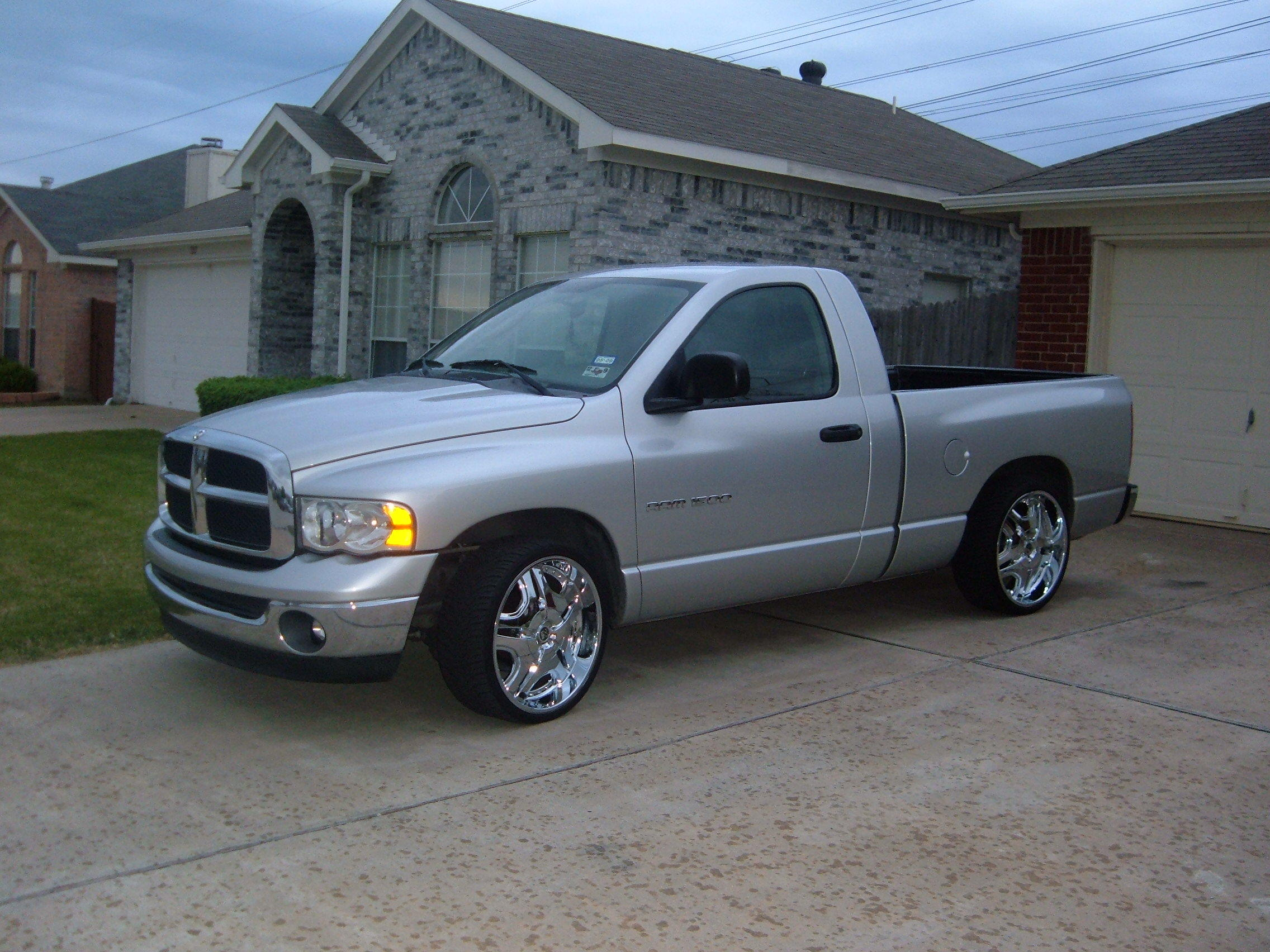 sebring 1 2003 dodge ram 1500 regular cab specs photos modification info at cardomain. Black Bedroom Furniture Sets. Home Design Ideas