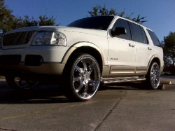 Mauinix629s 2004 Ford Explorer