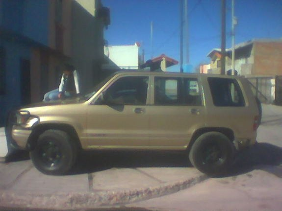 trooper4x492's 1992 Isuzu Trooper