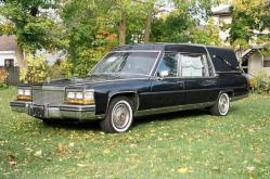 deadgirls 1988 Cadillac Fleetwood