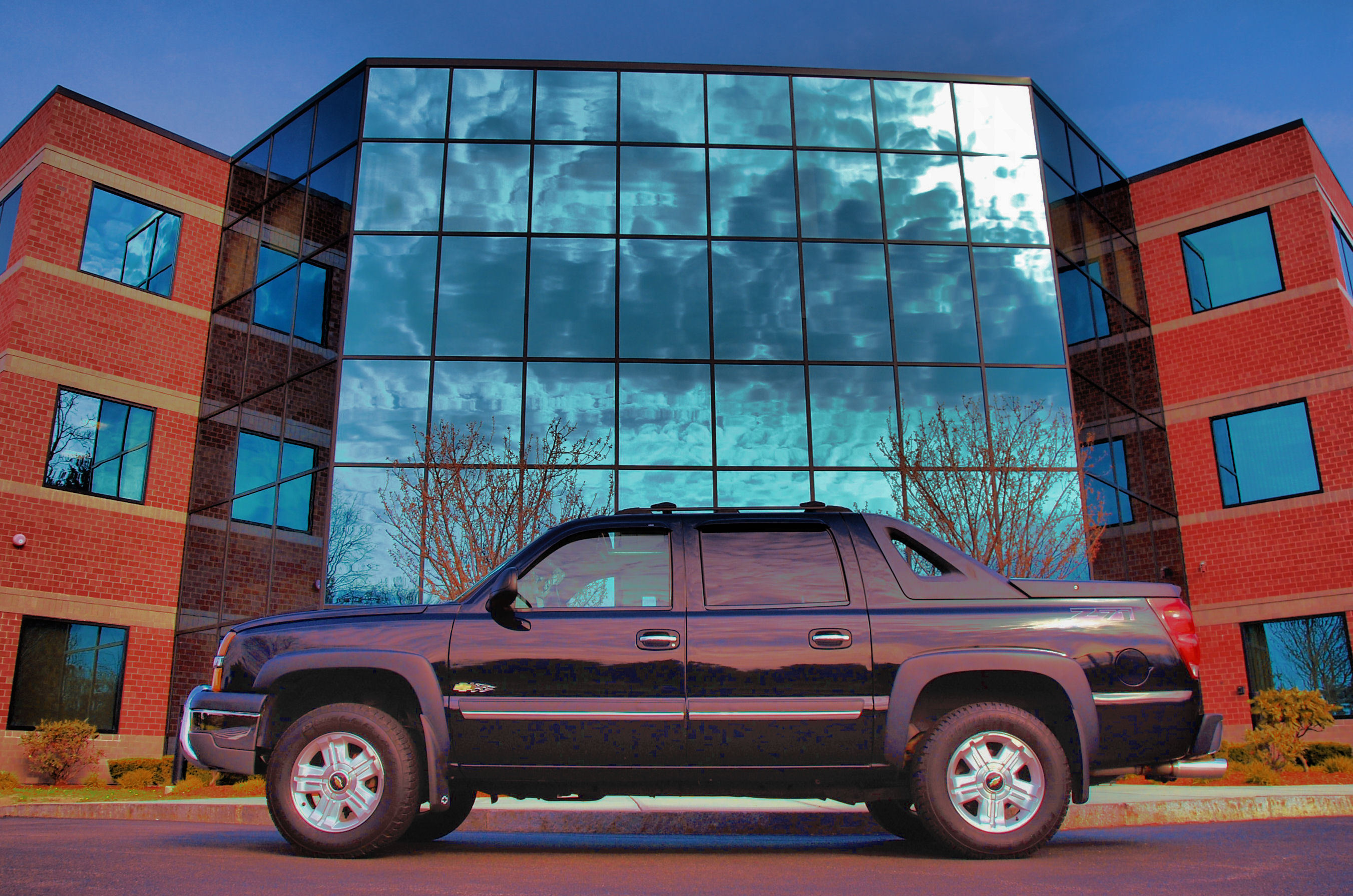 ChevzillaAV 2004 Chevrolet Avalanche Specs Photos Modification