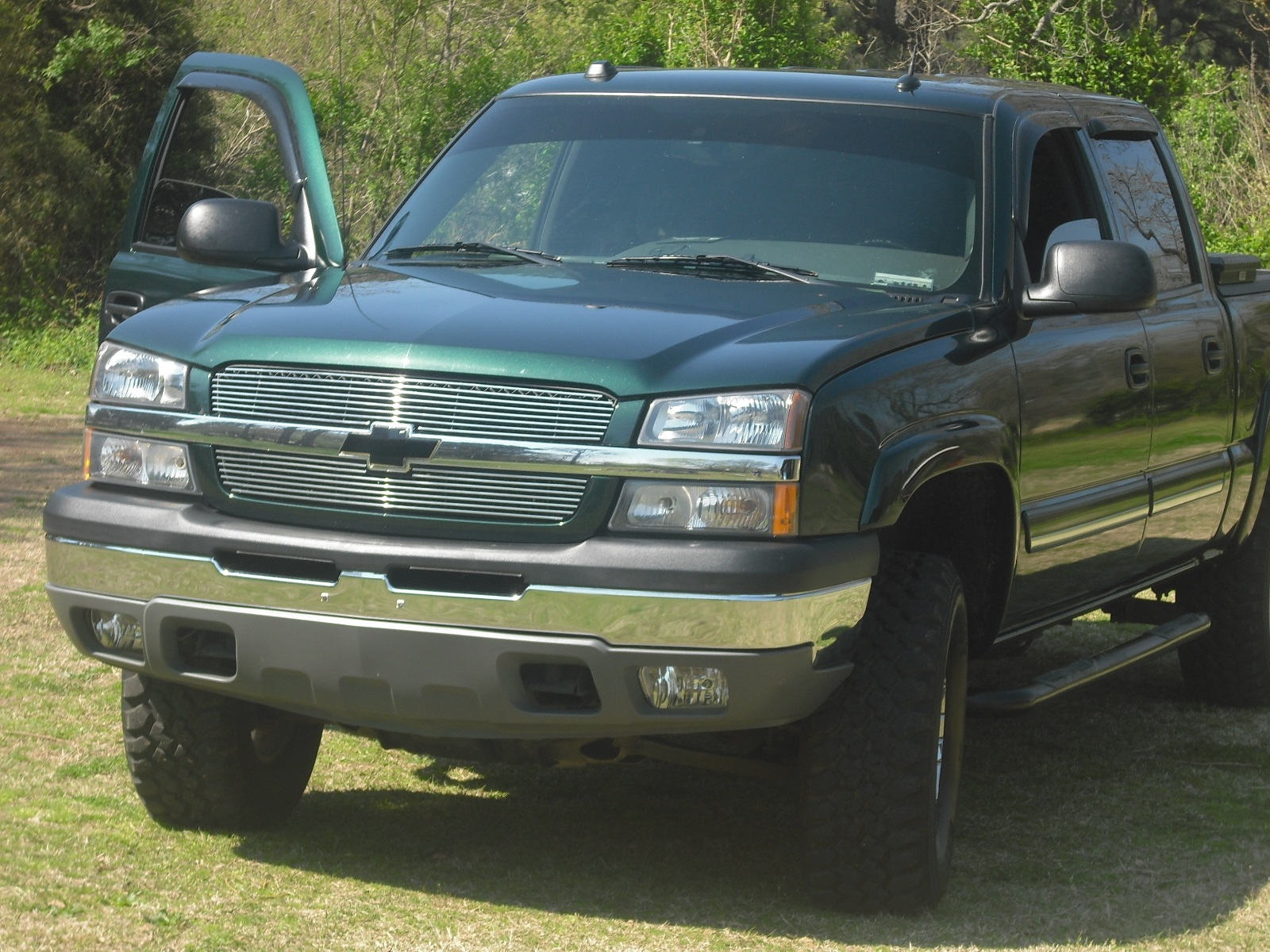 lah33 2005 chevrolet silverado 1500 regular cab specs photos modification info at cardomain. Black Bedroom Furniture Sets. Home Design Ideas