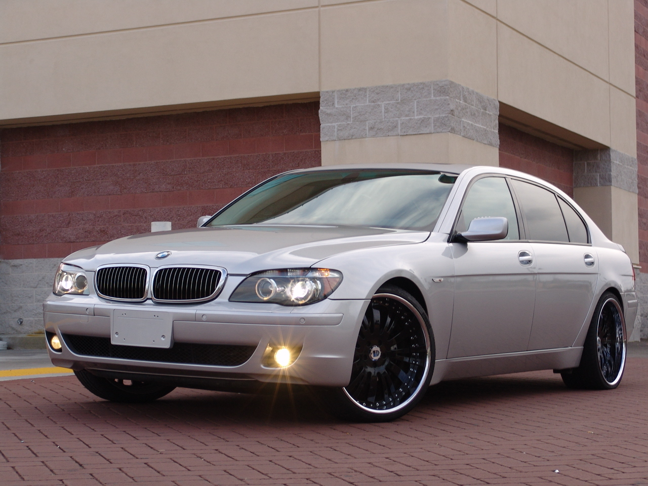 2008 BMW 7-Series | car review @ Top Speed