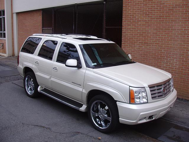 Another BlacNsilveR 2006 Cadillac Escalade post... - 13034280