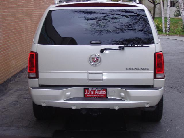 Another BlacNsilveR 2006 Cadillac Escalade post... - 13034281