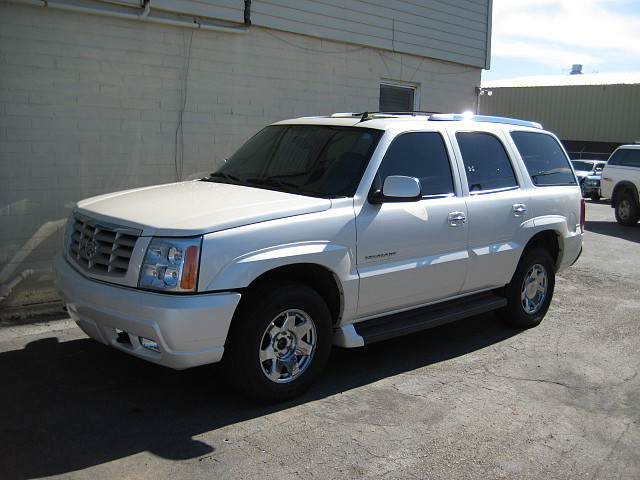 Another BlacNsilveR 2006 Cadillac Escalade post... - 13034304