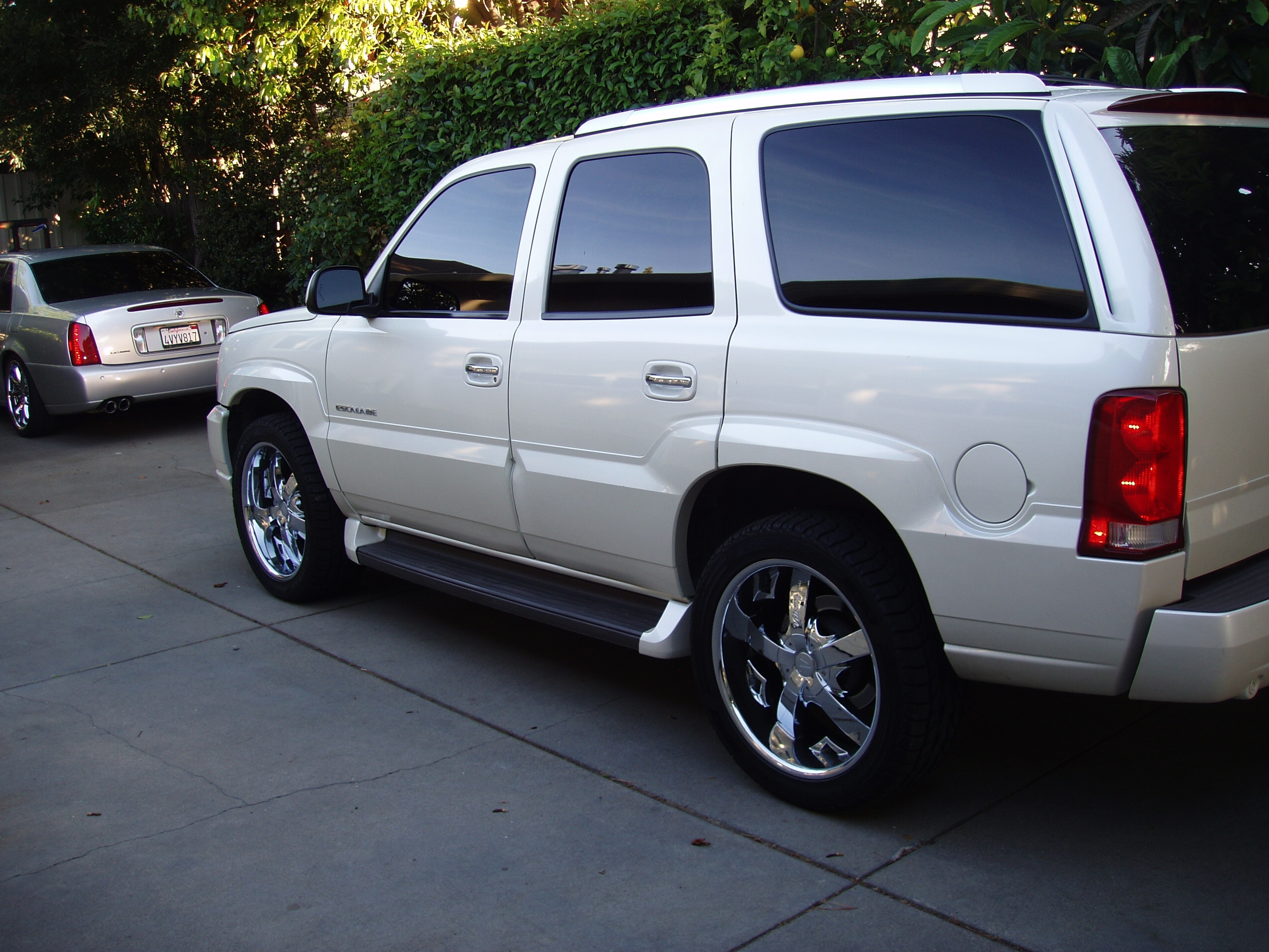 Another BlacNsilveR 2006 Cadillac Escalade post... - 13034309