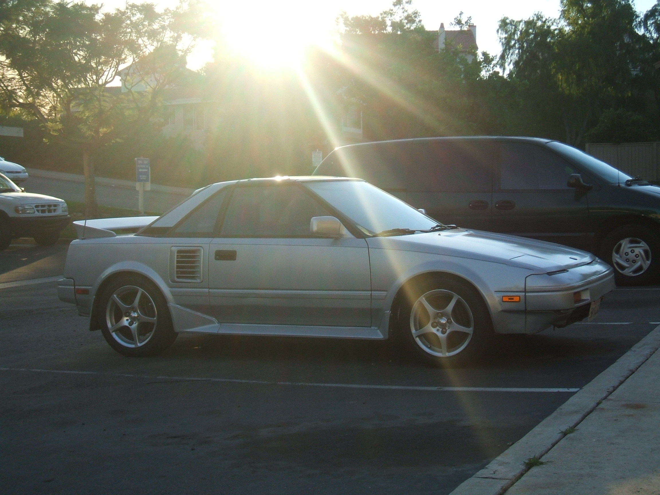 jaynh's 1988 Toyota MR2