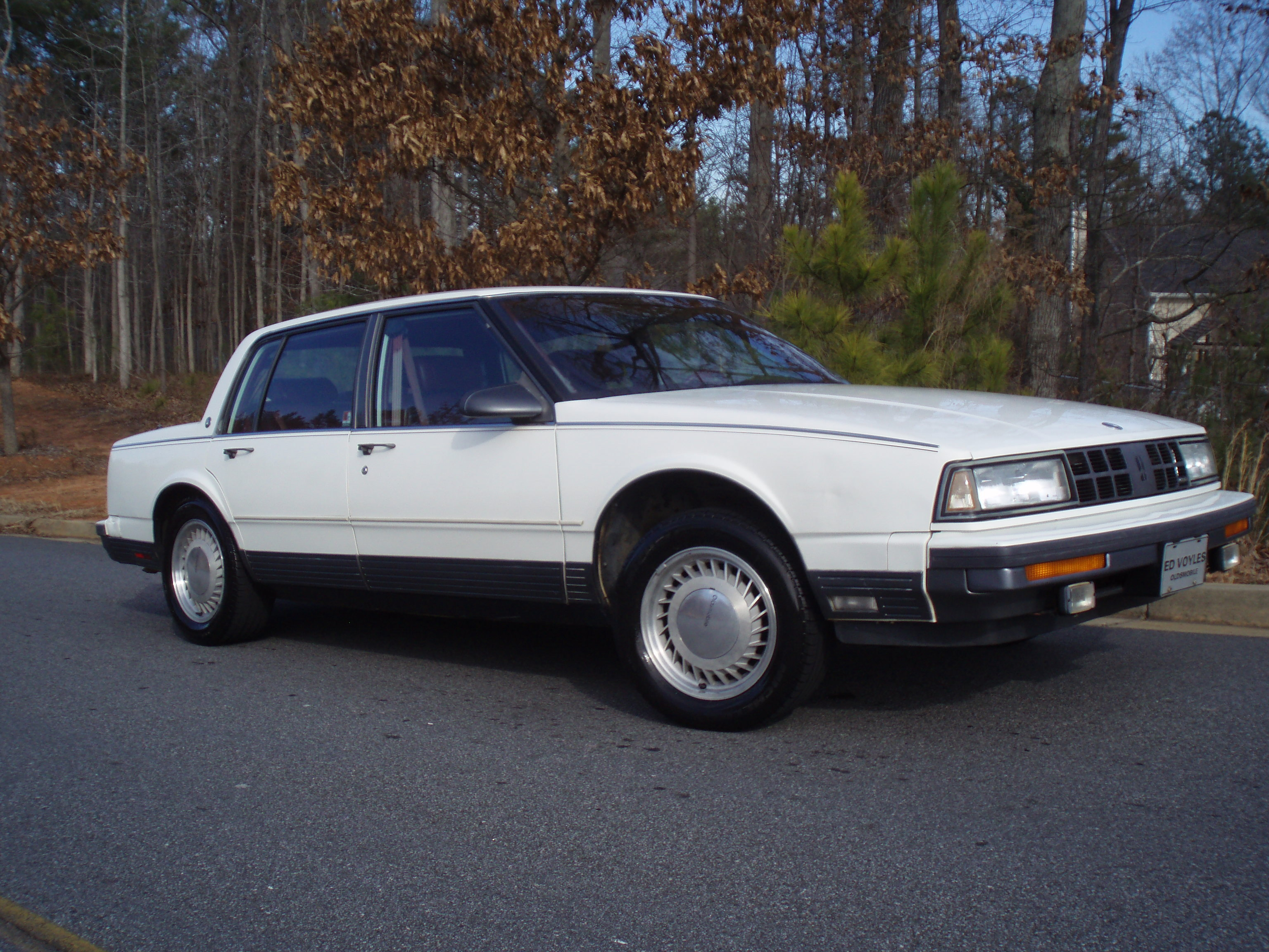 1989 Oldsmobile Touring Sedan