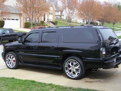 DUBSXLDENALIs 2006 GMC Yukon Denali