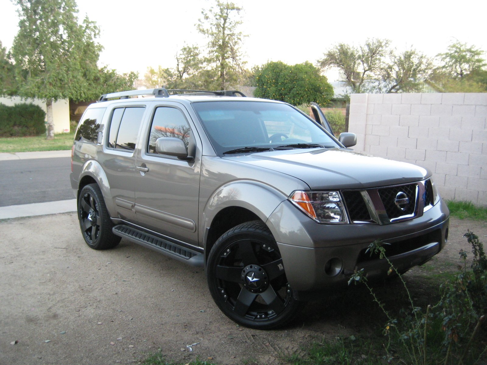 shoogshoog 2007 nissan pathfinder specs photos modification info at cardomain. Black Bedroom Furniture Sets. Home Design Ideas