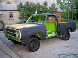 Nelly-Bell 1980 Dodge D150 Club Cab