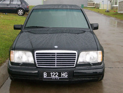 sitorus_ds 1989 Mercedes-Benz 300E