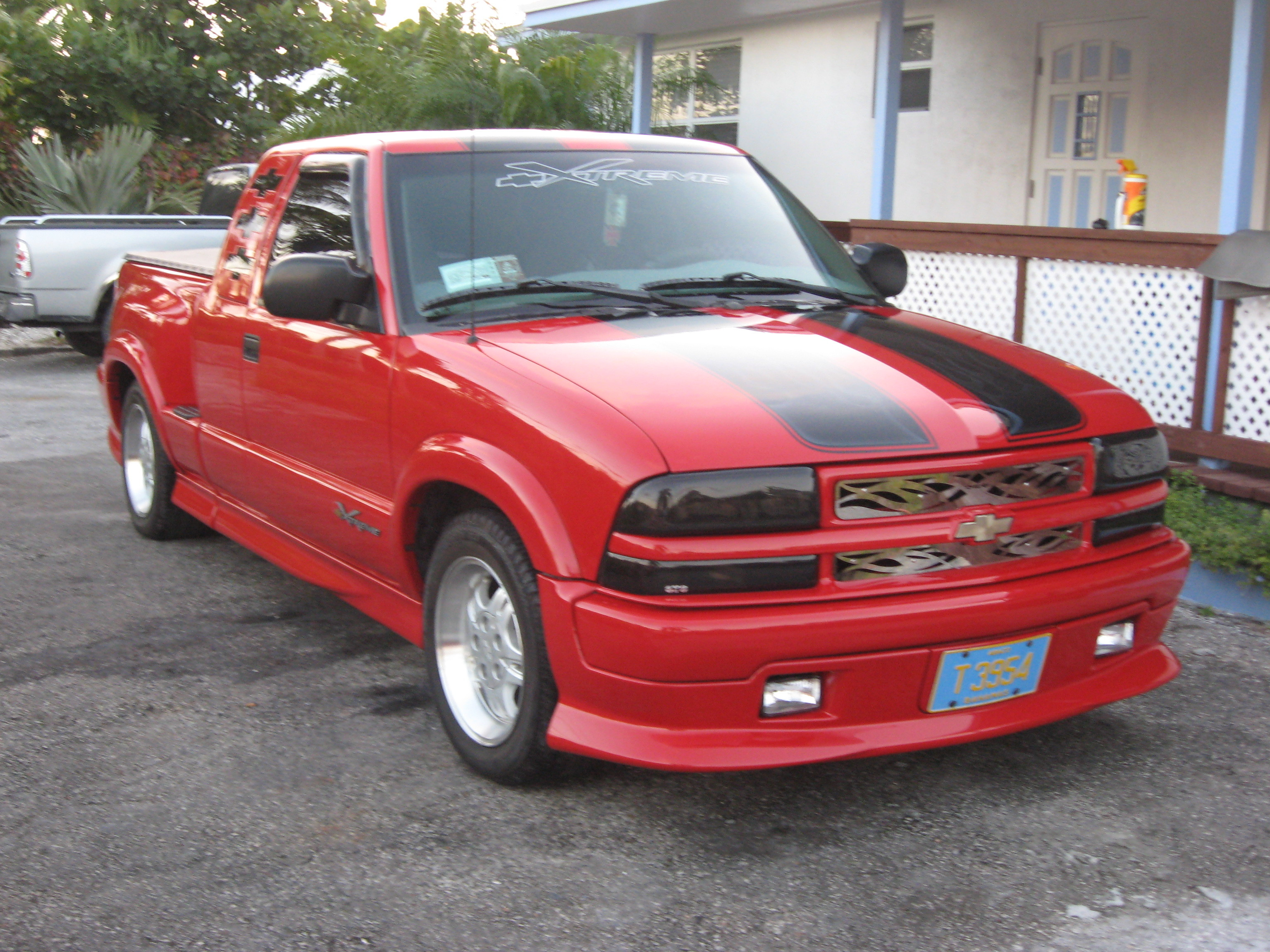 mrpinder 2000 chevrolet s10 regular cab specs photos modification info at cardomain. Black Bedroom Furniture Sets. Home Design Ideas