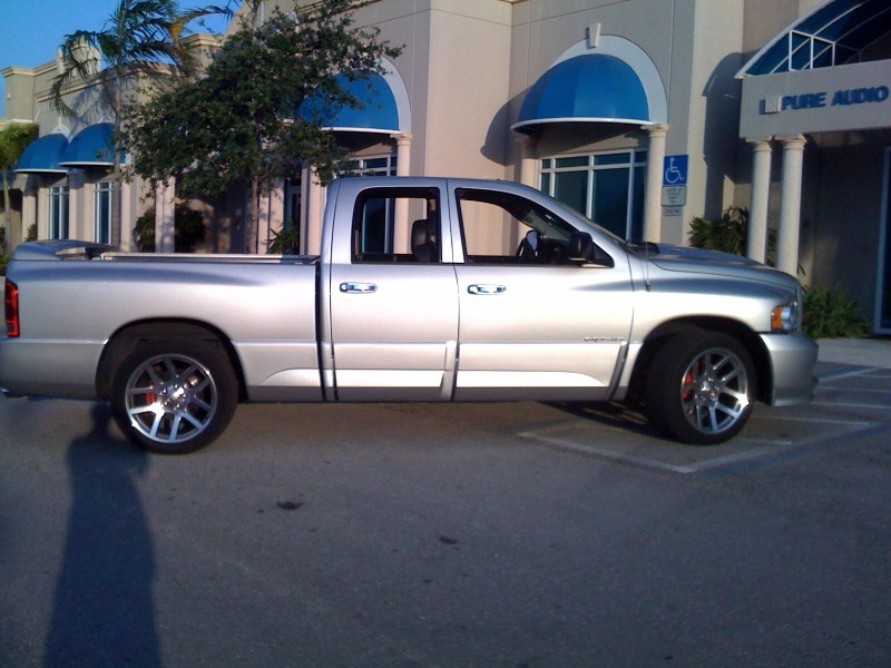 luxuriousls 2005 dodge ram srt 10 specs photos modification info at cardomain. Black Bedroom Furniture Sets. Home Design Ideas