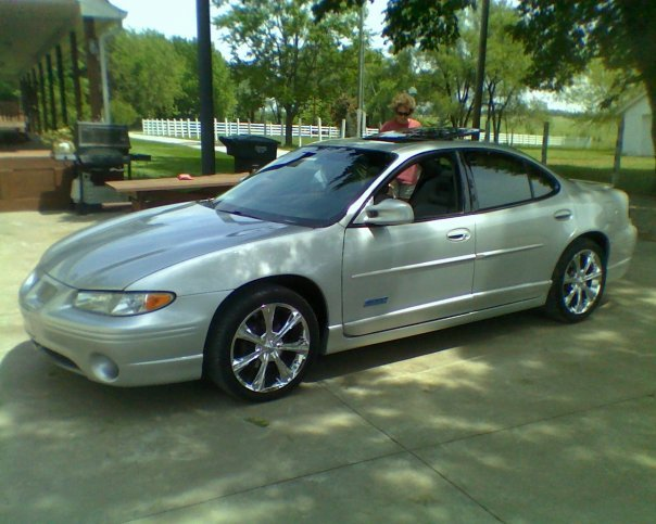 KSRebel09 2002 Pontiac Grand Prix 13127066