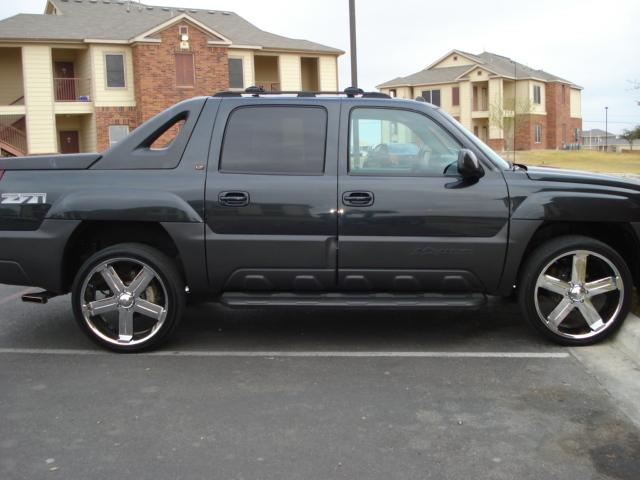 big walt 2005 chevrolet avalanche specs photos. Black Bedroom Furniture Sets. Home Design Ideas