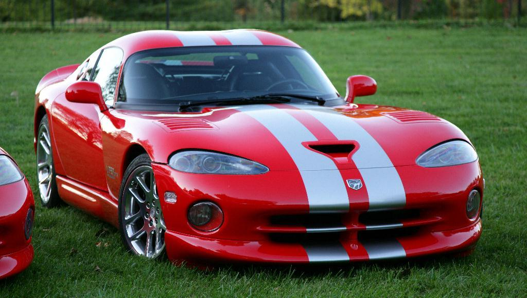 Dodgeviperacr together with V Hpx together with Dodge Viper Rt Dv Rmm as well Dodgeviperrt also Dodge Ram With A L V. on dodge viper v10 engine specs