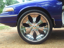 lilsammy25s 1997 Ford Crown Victoria
