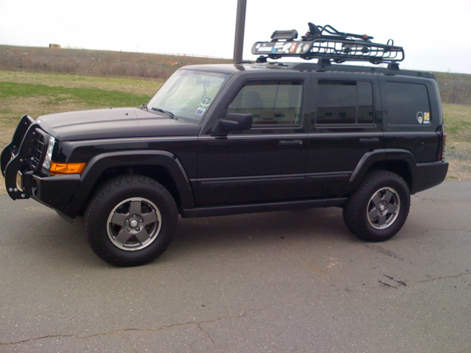 DirtyC-130 2006 Jeep Commander Specs, Photos, Modification ...