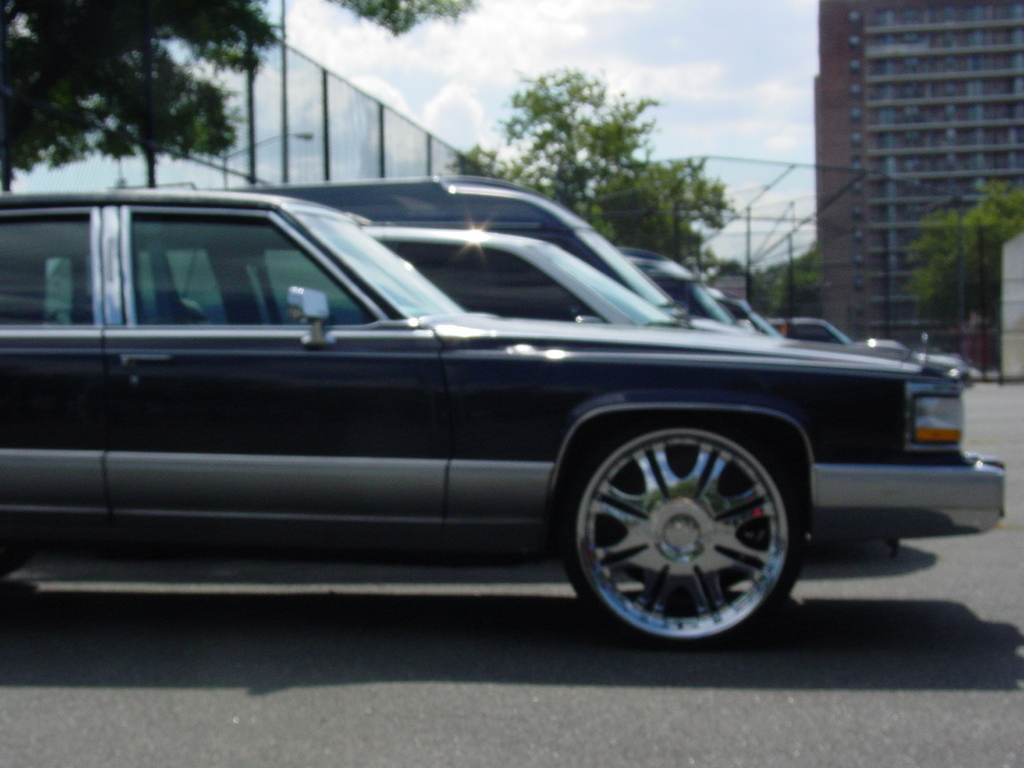 Another MAXBLUE04 1990 Cadillac Brougham post... - 13158805