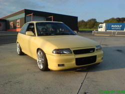 spikes216 1997 Opel Astra