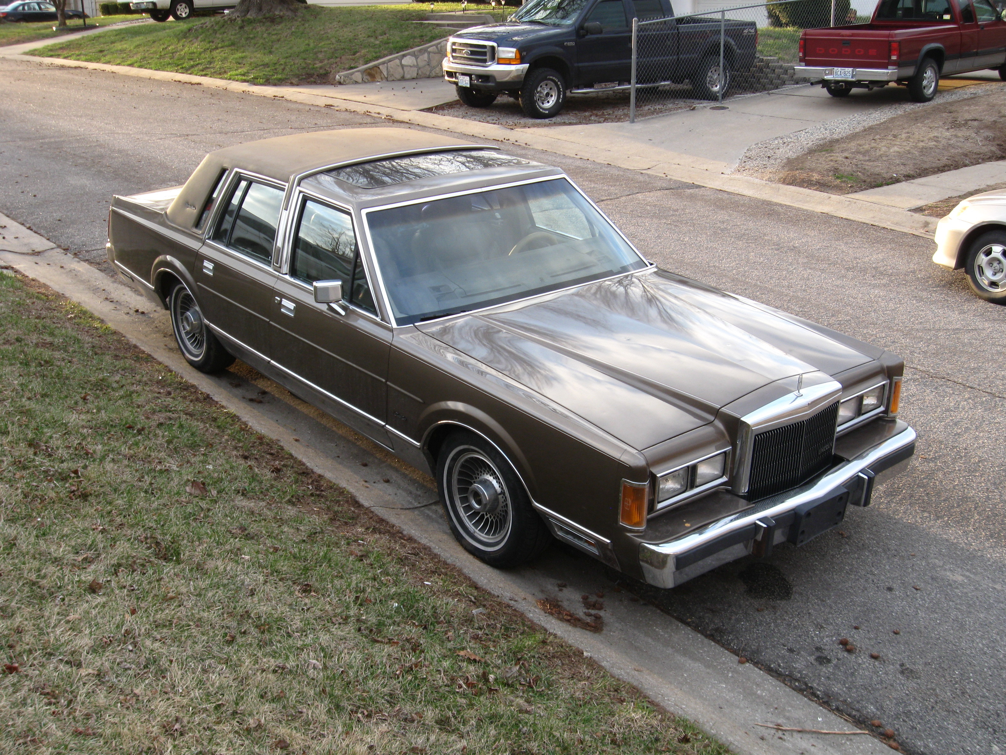 1989 Lincoln Town Car - Pictures - CarGurus 1989 car lincoln photo town