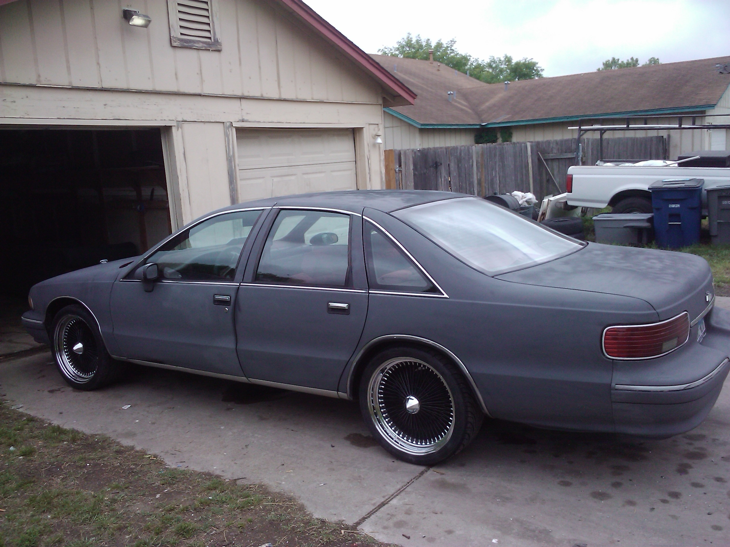Another DATDUDE23 1994 Chevrolet Caprice Classic post... - 13171995