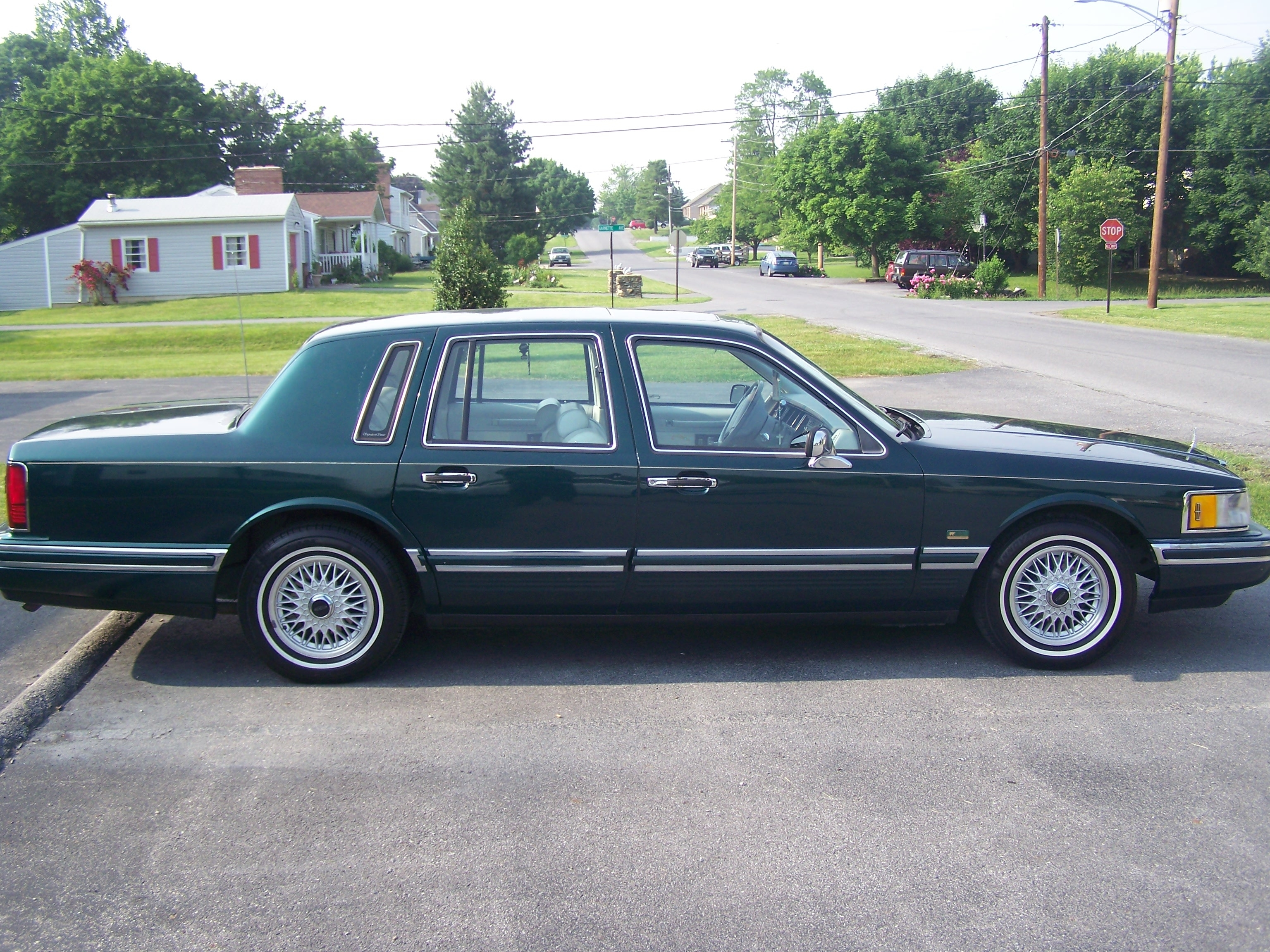 Keepitmovvin 1992 Lincoln Town Car Specs Photos Modification Info
