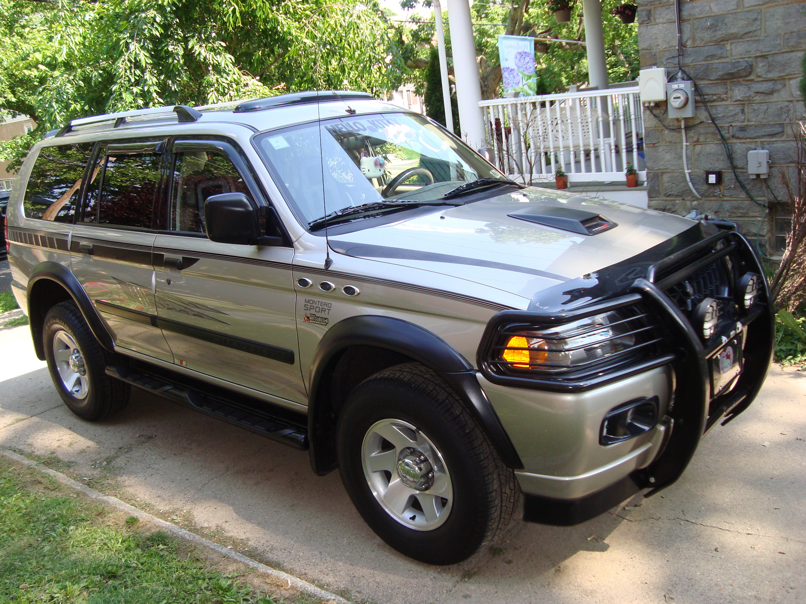 Ecualatinboy 2005 Mitsubishi Montero Sport Specs Photos Modification Info At Cardomain