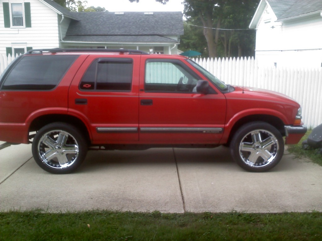 ptricky 2000 chevrolet s10 blazer specs photos modification info at cardomain. Black Bedroom Furniture Sets. Home Design Ideas