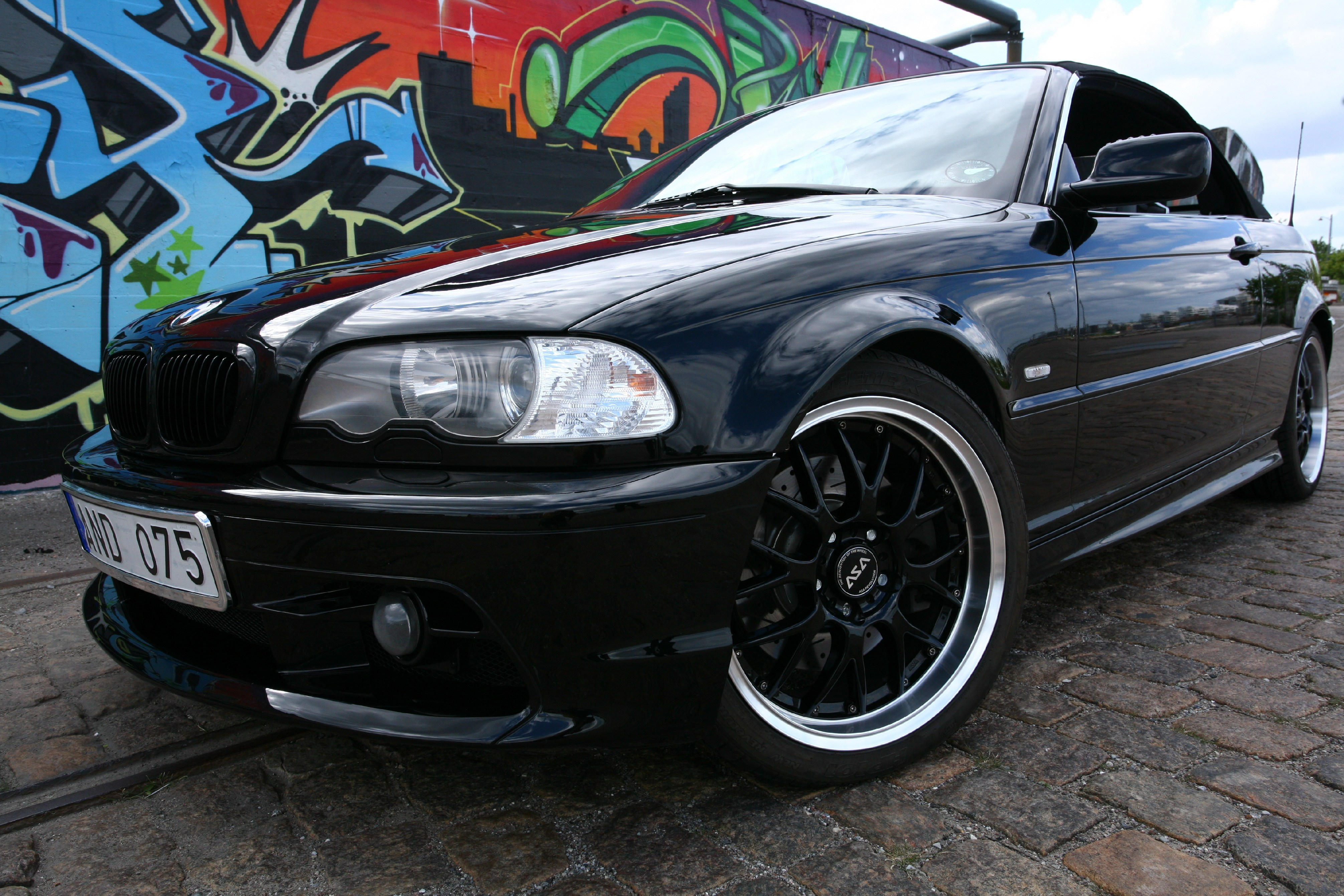 AdrianSweden's 2002 BMW 3 Series