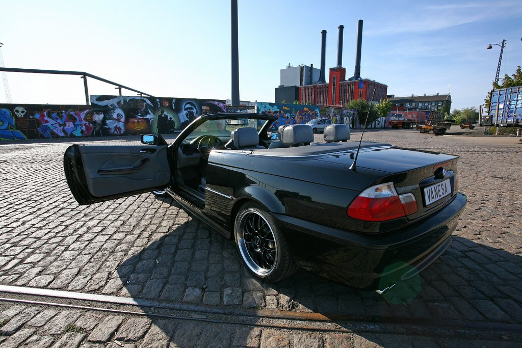 AdrianSweden 2002 BMW 3 Series 13190016