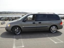 THE-FAMILY-VAN 2005 Ford Freestar Passenger