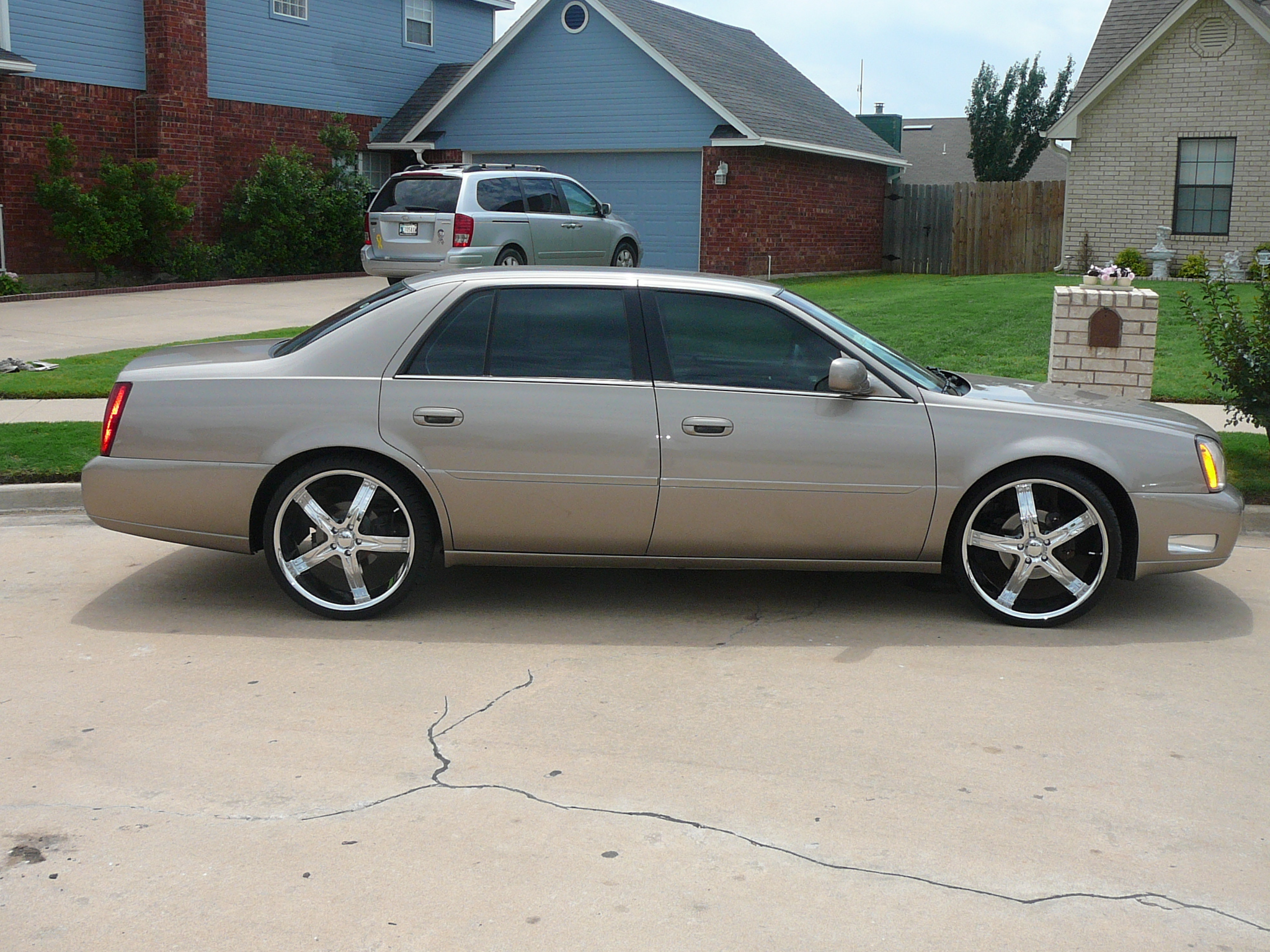 2002 Cadillac DeVille DTS On 22s
