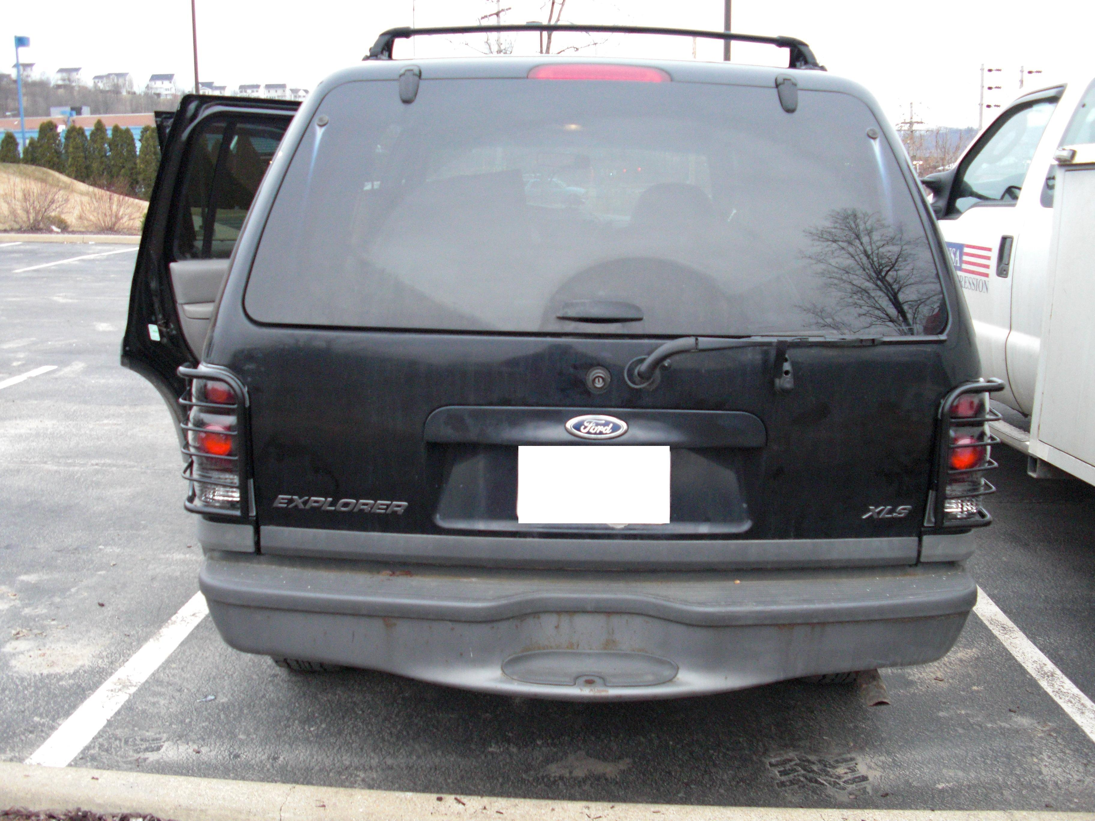 Another elky_77 1999 Ford Explorer post... - 13194565