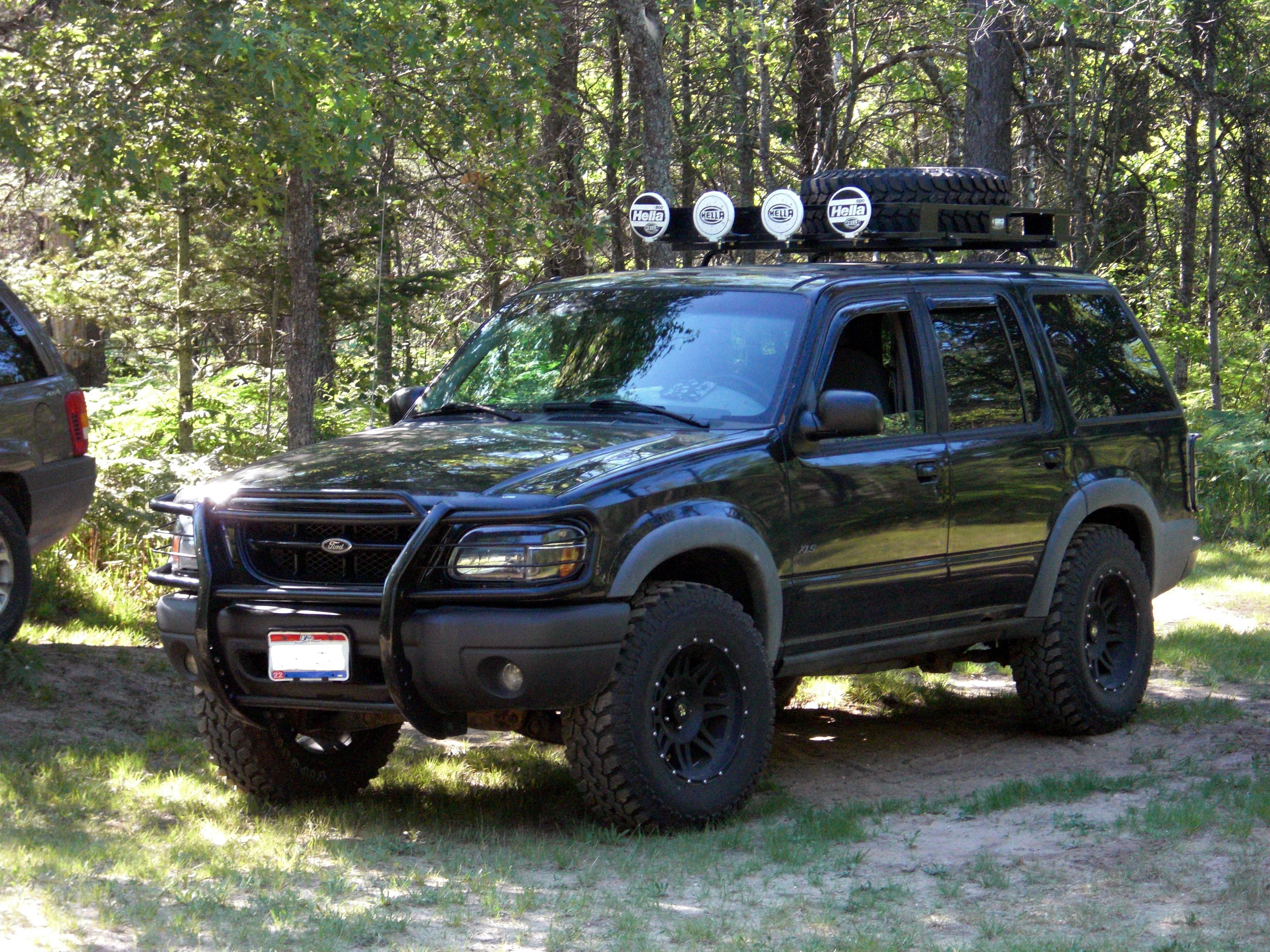 Elky 77 1999 Ford Explorer S Photo Gallery At Cardomain