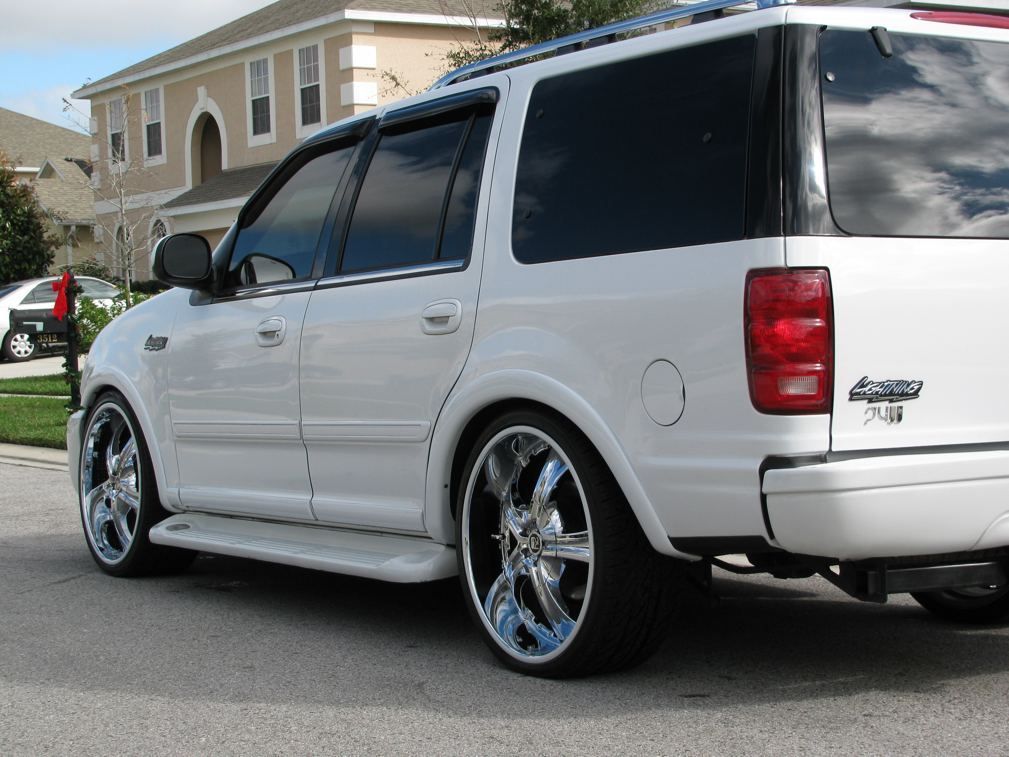 Wheelking 2000 Ford Expedition