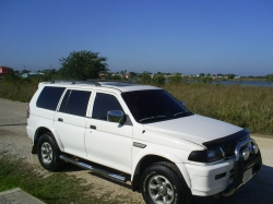 montenegros 2000 Mitsubishi Montero Sport