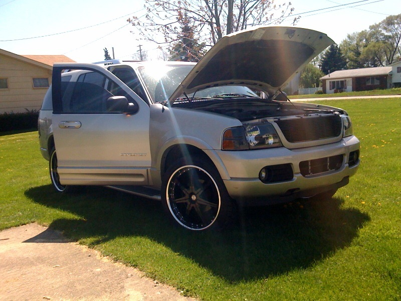 uglydimple12's 2004 Ford Explorer
