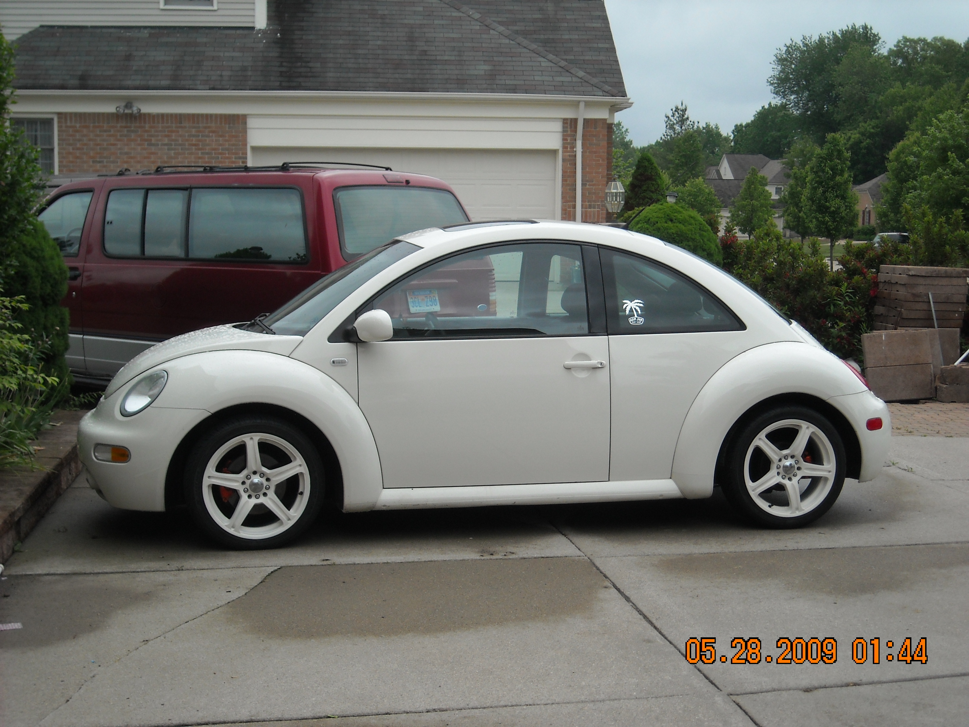 Shnormo05 2004 Volkswagen Beetle Specs, Photos, Modification Info at CarDomain