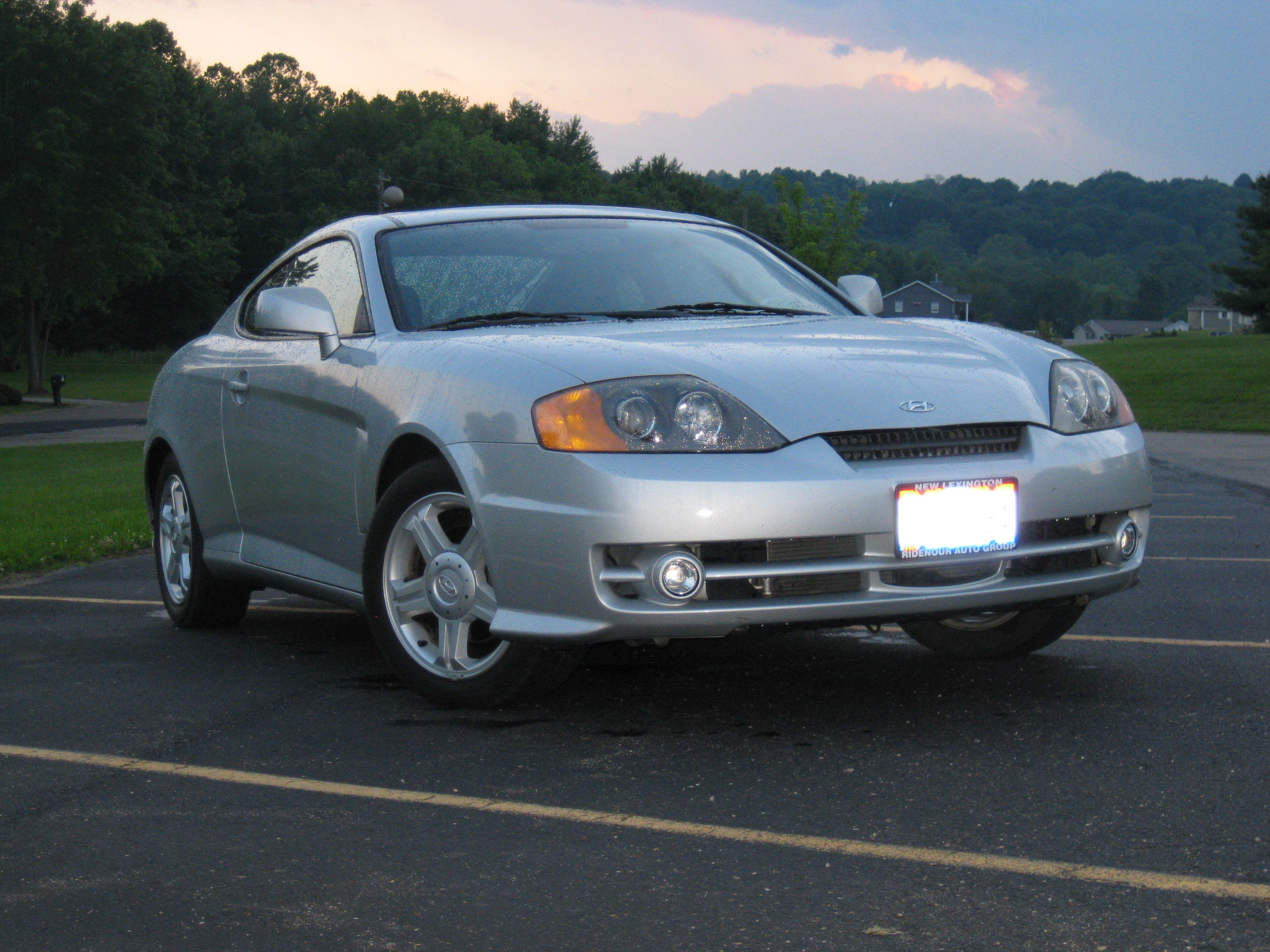 nickcapri8 2004 hyundai tiburon specs photos. Black Bedroom Furniture Sets. Home Design Ideas
