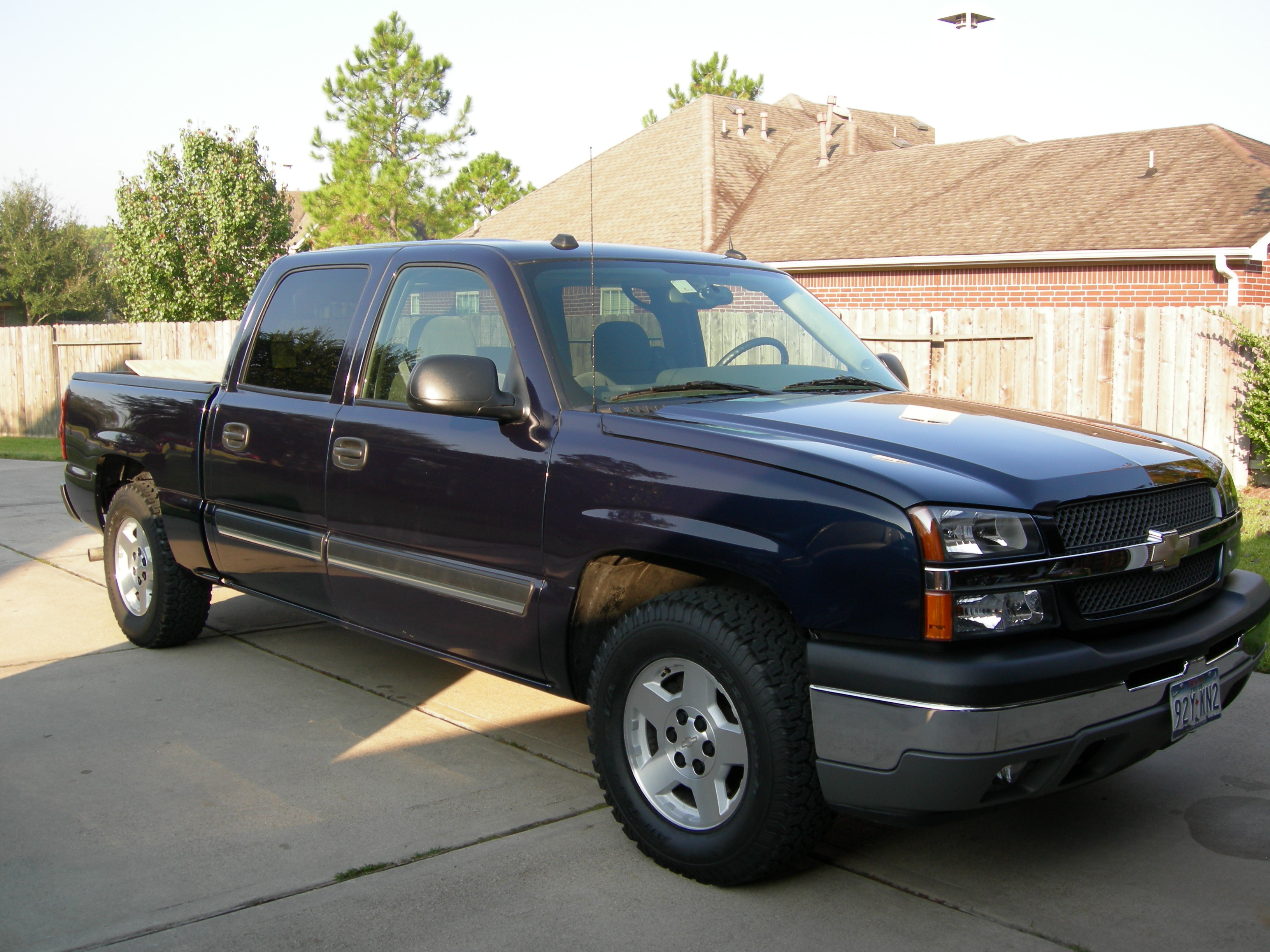 aaronmarker 2005 chevrolet silverado 1500 regular cab specs photos modification info at cardomain. Black Bedroom Furniture Sets. Home Design Ideas