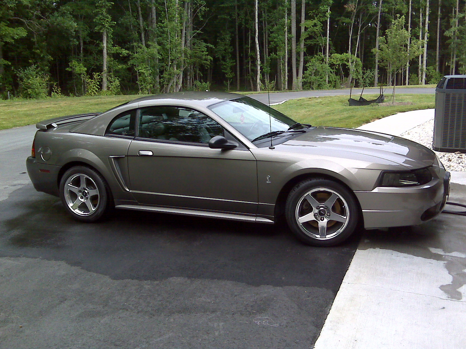 01mineralgrey 2001 Ford Mustang