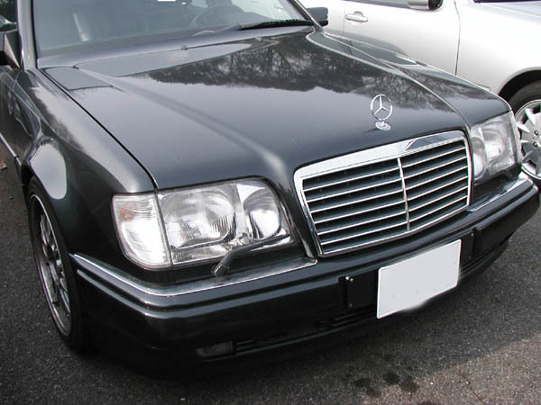 Attractive1 1992 Mercedes-Benz 300E 13258983
