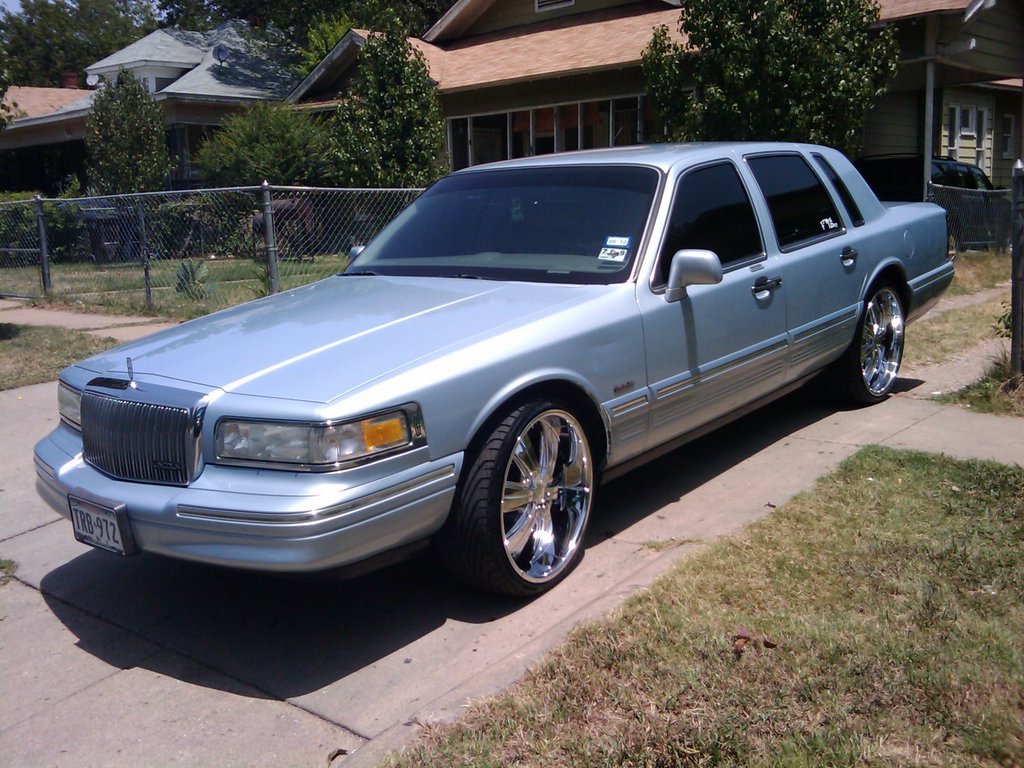 Pillos 97 1997 Lincoln Town Car Specs Photos