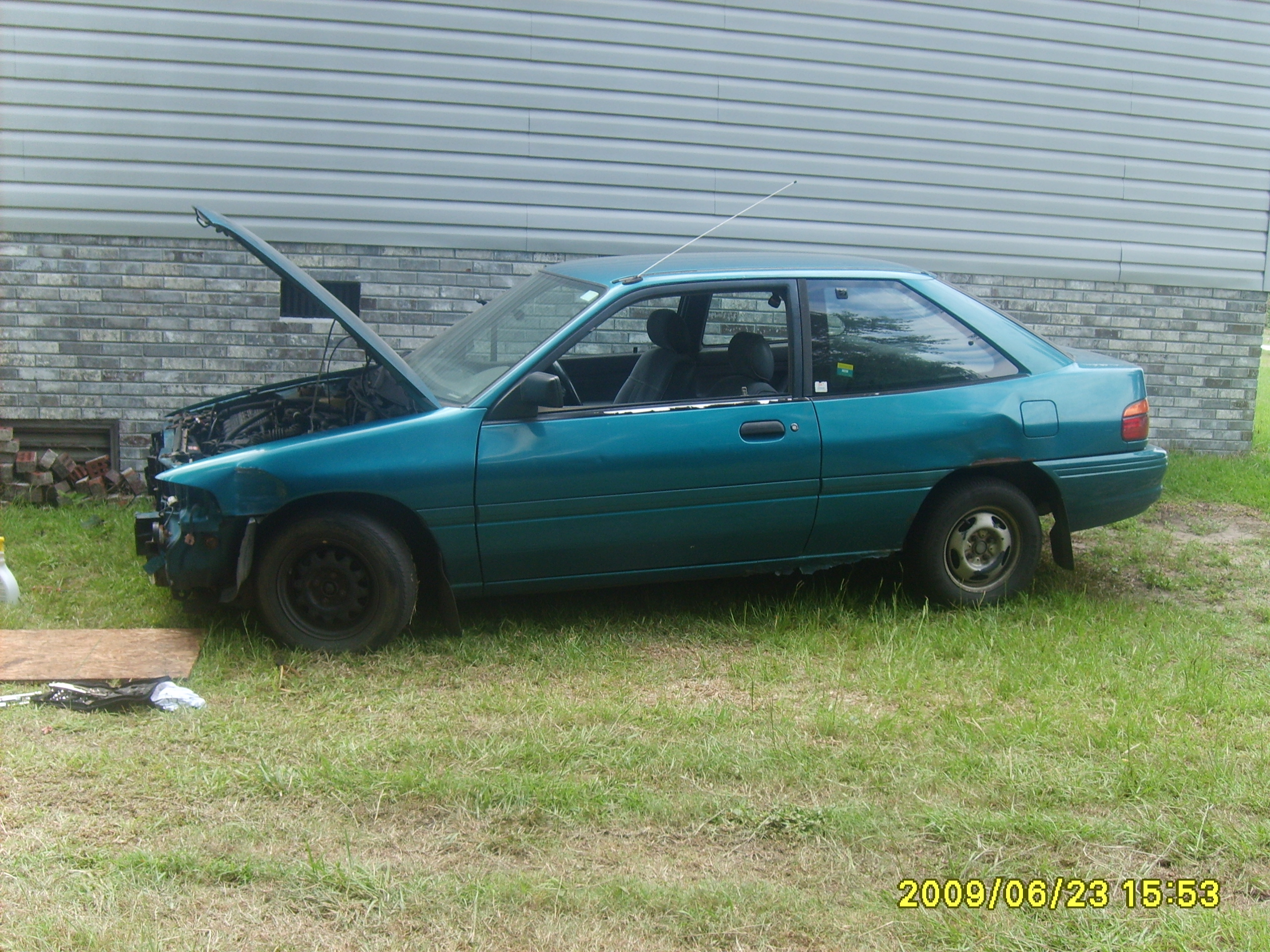 Another scortboy 1993 Ford Escort post... - 13267360